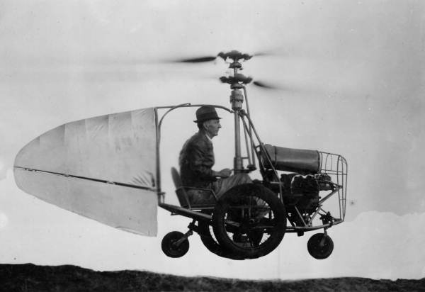 Jess_Dixon_in_his_flying_automobile_zpsw9akykcv.jpg