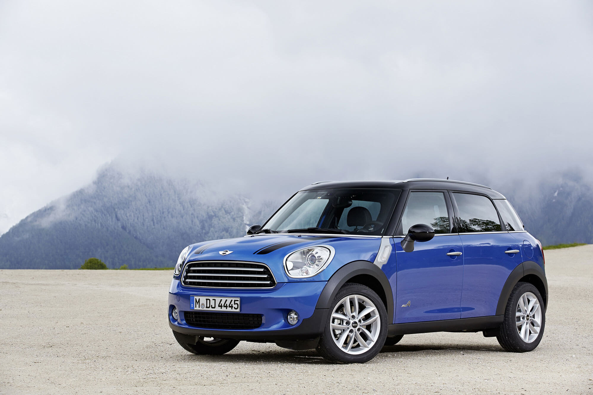 all about mini owners manuals mini cooper 2002 2018 motoring rh motoringalliance com 2010 mini clubman owners manual 2010 mini owners manual pdf